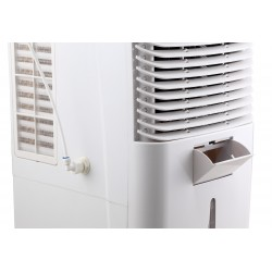 Klimatyzacja przenośna chłodzi powietrze wodą.